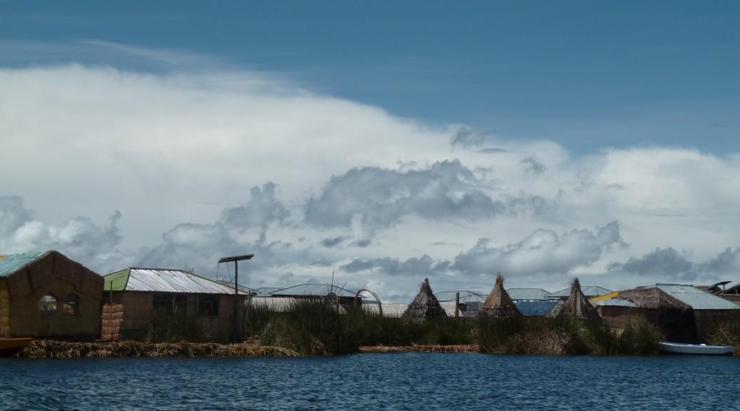 Systèmes photovoltaïques autonomes dans les îles de Los Uros